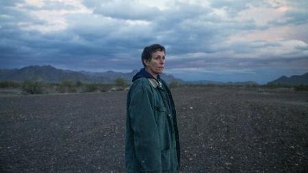 Frances McDormand em cena de 'Nomadland' - Reprodução/IMDb