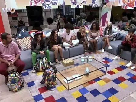 BBB 21: Brothers reunidos na sala da casa do reality show em dia da décima primeira eliminação  - Reprodução/Globoplay